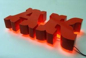 Фото цельноклееные объемные буквы сложный шрифт