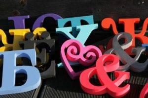 Фото цельноклееные объемные буквы художественный элемент