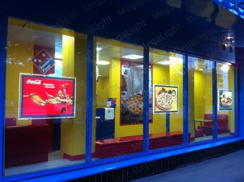 Тонкие световые панели для рекламы в окнах Домино Пицца